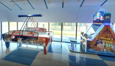 PLAY AIR HOCKEY AT GO USA FUNPARK