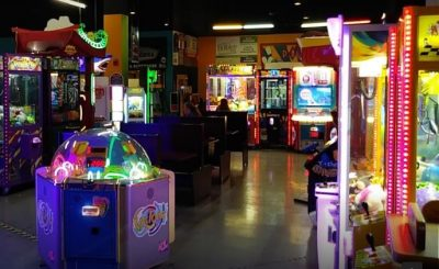 PLAY ARCADE GAMES AT LANES TRAINS AND AUTOMOBILES